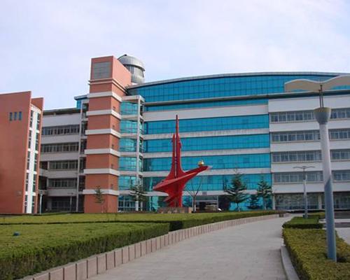 烟台开发区高级中学实验室
